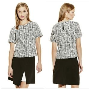 Vince Camuto linear Print zip top