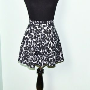 Dresses & Skirts - Adorable Snow Leopard Print Skirt