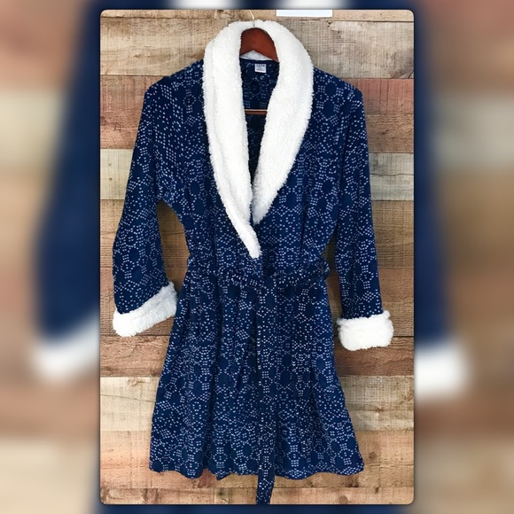 Ulta Intimates Amp Sleepwear Beauty Lxl Sherpa Collar