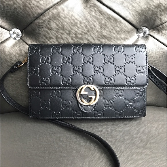 4f3f93d8398 Handbags - Gucci Icon Gucci signature chain wallet