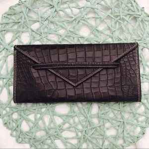 Harold's Handbags - Harold's Made in Italy Genuine Leather Croc Clutch