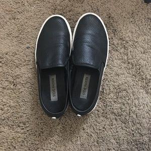 Black and White Steve Madden slip on sneakers