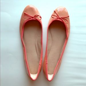 Banana Republic Coral Flats in Size 11