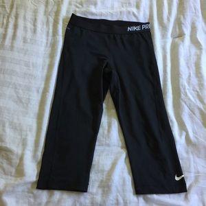 NIKE PRO dry fit Capri leggings