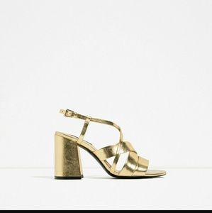 Zara Shoes - Zara gold metallic strappy cross over block heel