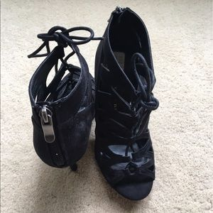 Price Drop!! NWOT Chinese Laundry lace ups 6.5