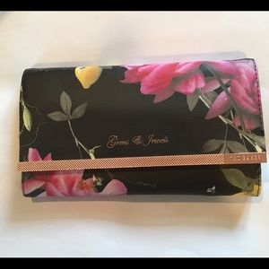 Ted Baker Accessories - Ted Baker citrus bloom jewelry case