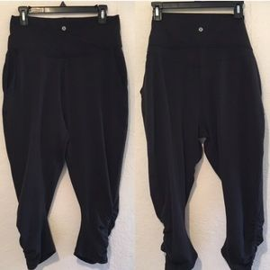 lululemon athletica Pants - Lululemon cropped High waist capris