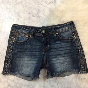 Shyanne Pants - Shyanne Embellished Frayed Denim Shorts 30