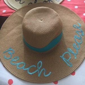 NWOT chic Out Of Office Beach Hat