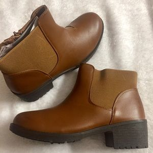 Shoes - Side elastic ankle booties
