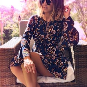Dresses & Skirts - Groovy Moody Floral Dress