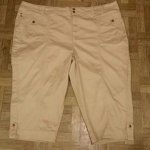 Liz & Me Pants - Women Capris          Cotton/Spandex