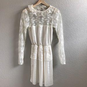 Free People Dresses & Skirts - SALE NWT Rare Free People Ivory lace sleeve dress
