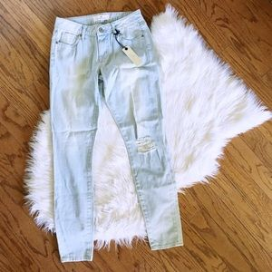light distressed skinnies