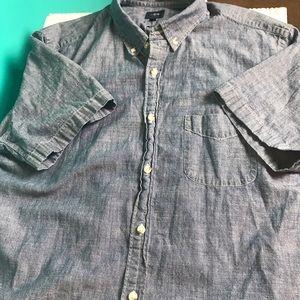 J. Crew Other - Men's JCrew short sleeve chambray shirt