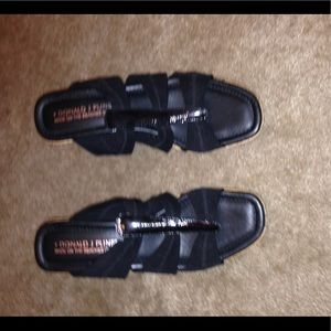 Donald J Pliner Black Sandals Super Cute Euc