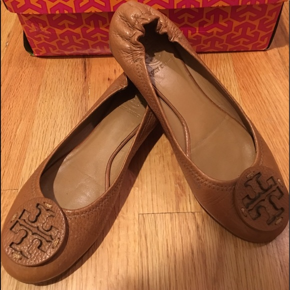 854477fdbc5079 Tory Burch Reva flats tan pebbled leather Size 6. M 5944897a291a35511404caee