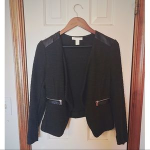 Green blazer with faux leather shoulders🖤💚