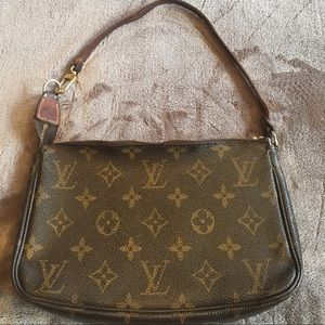 Louis Vuitton Handbags - Louis Vuitton Monogram Pochette