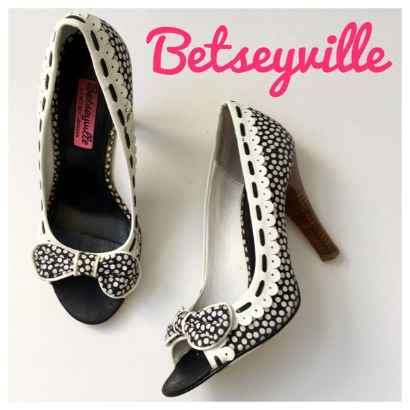 Betsey Johnson Shoes - Betseyville Polka Dot Peep Toe Heels with Bow❤️