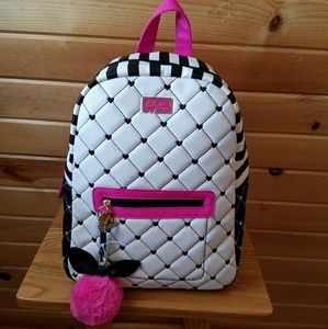 Betsey Johnson Handbags - 🎈BLOWOUT SALE🎈BETSEY JOHNSON LARGE BACKPACK!
