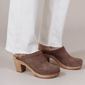 No. 6 Shoes - No. 6 Old School Clog - Tan Suede