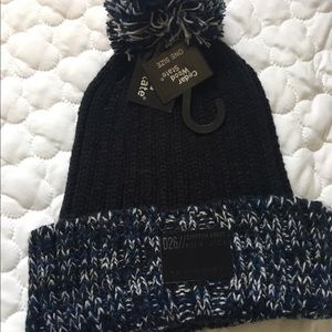Other - NWT Knitted winter hat