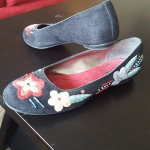 Faux Suede Black Flowered Flats - Unlisted Sz 6.5