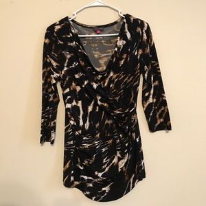 Vince Camuto Gathered Ruched Print Tunic Top
