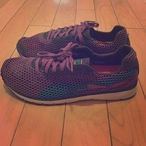 Purple + Teal Puma Sneakers, size 9