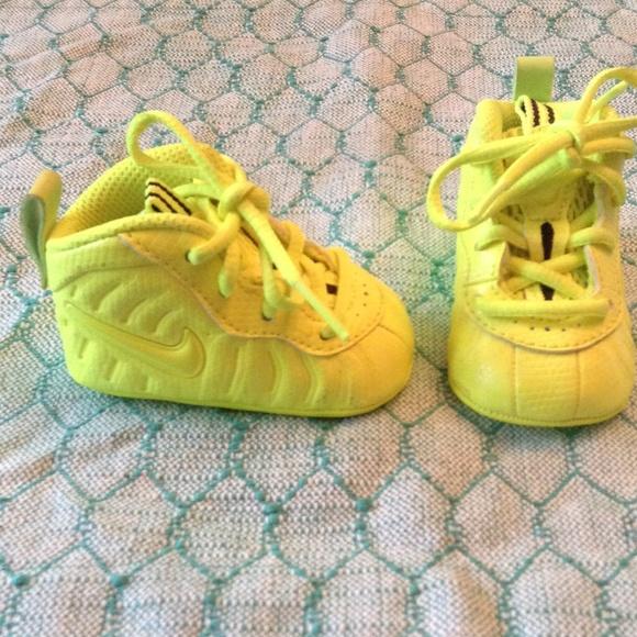 Super Cute Nike Foams Newborn Infant