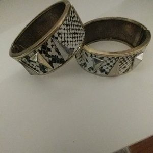 2 bangles as seen NEW