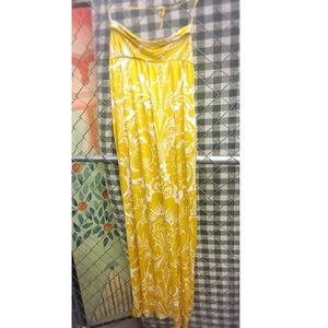 Diane Von Furstenberg Dresses & Skirts - Silk Halter Style Maxi Dress