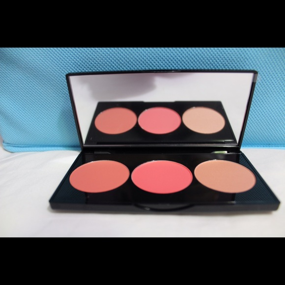 26 Off Smashbox Other Smashbox L A Lights Blush And