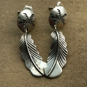Vintage Jewelry - Vintage Native Sterling silver feather earrings