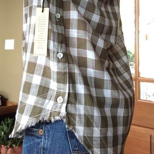 🍃💕NWT Anthro Frayed Hem Side Buttondown Shirt
