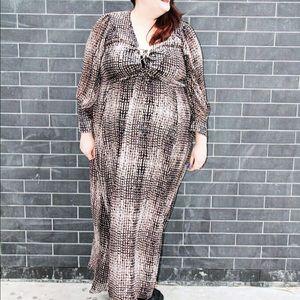 Elvi Dresses & Skirts - Elvi printed maxi dress