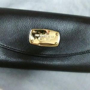 Michael Kors Handbags - Michael Kors Jet Set Saffiano Leather Wallet?