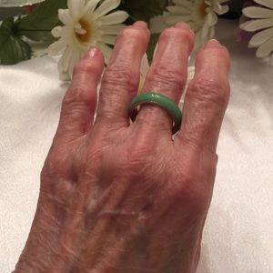 Boutique Jewelry - Simple Jade Band   NWT