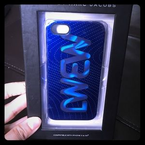 Marc by Marc Jacobs MBMJ iPhone 5/5S case