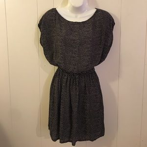 Dresses & Skirts - Black and white dress with beautiful back design.
