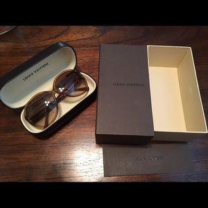 Louis Vuitton Honey Speckling Oversized Sunglasses