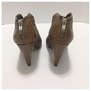 8c2a85c548e9 Vince Camuto Shoes - Vince Camuto Tan Amelia Plunge Peep Toe Booties