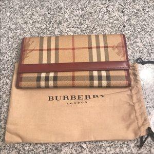 Burberry Handbags - Burberry wallet