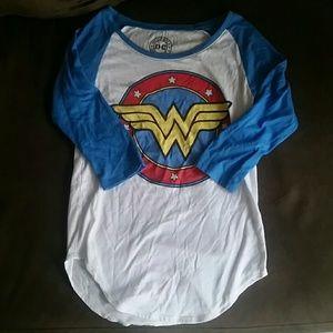Bioworld Tops - Wonder Woman baseball Tee