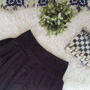 FOREVER21 black pleated skirt