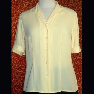 Laura Scott Tops - LAURA SCOTT short sleeve button front bouse 8