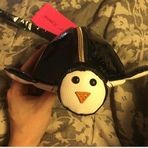 Betsey Johnson Handbags - NWT Betsey Johnson Penguin 🐧 Wristlet