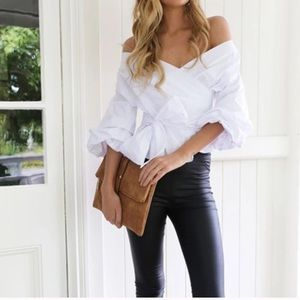 Tops - Elegant and trendy blouse